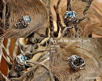 Ring blue topaz, pearls and silver.