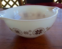 Pyrex Mixing Bowl  Town and Country Pattern with Handles White with Brown Design Pyrex  Mixing Bowl 4 Quart