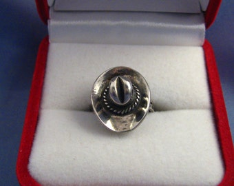 Western Hat Ring Cowboy Sterling Silver 925 Sz 4.25