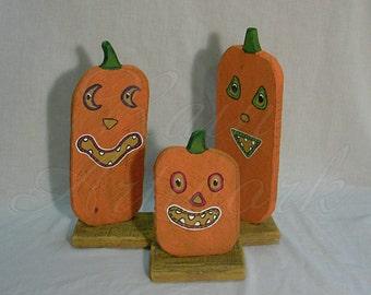 Primitive Folk Art Halloween Setting Pumpkins Jack o Lantern Set of Three
