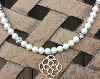 Stunning Pearl Necklace with Crystal Accent Pendant