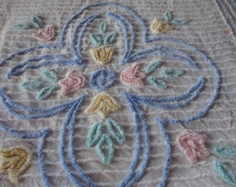 FREE SHIPPING Chenille Bedspread!