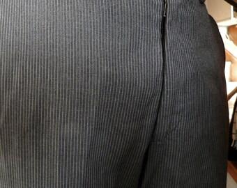 Gray Flat Front 1960s Pin Stripe Trousers (32W  32L)