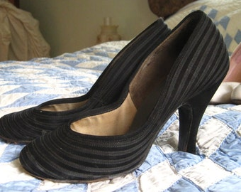 1930s house of pierre handcrafted pumps size 6.5 narrow