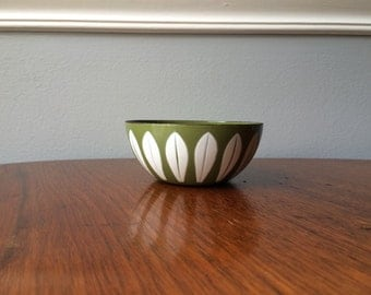 "Near Mint Vintage 4"" Cathrineholm Lotus Bowl in Green/Avocado"