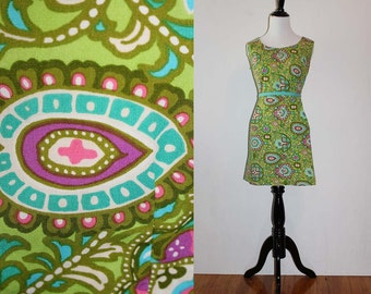 Vintage 1960s Green Floral Shift Dress
