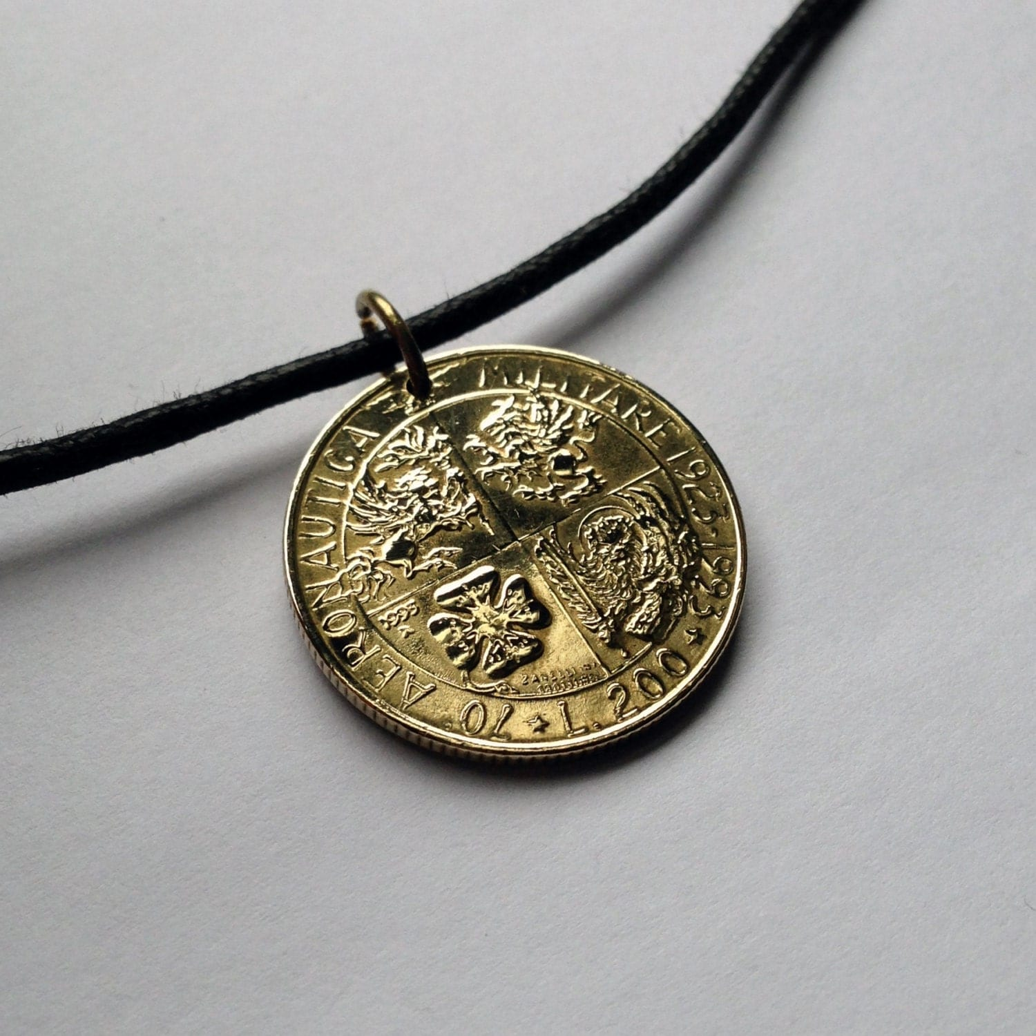 1993 italy 200 lire coin pendant charm necklace jewelry