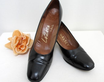 Vintage 1960's Ladies Black Shoes Patent Pumps 60's  Size UK 7  US 9.5 EU 40