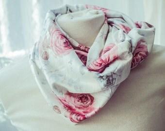 "Summer Snood ""Floralia"" - festive gift idea for mothers"