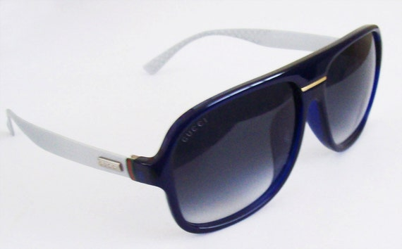Vintage sunglasses Gucci Navy Blue Frame Light Gray temples
