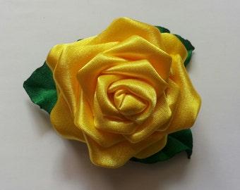 Kanzashi fabric flower hair clip and brooch. Yellow and green rose.Yellow rose hair clip. Yellow rose brooch.