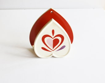 Holt-Howard heart-shaped napkin or letter holder, red, pink and purple, mid-century décor, retro kitchen