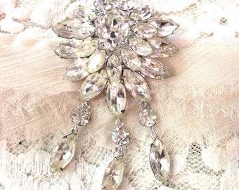 Sale 50% off Vintage elegant sparkling crystals brooch