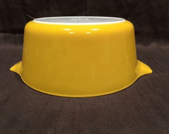 Vintage Pyrex 475-B Yellow Casserole Dish - Round Baker with lid