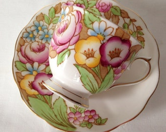 Royal Albert Hand Painted Tea cup and Saucer Teacup Set
