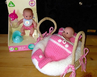 Soft Bodied Hand Knitted Moses Basket (Dolls Carry Cot) including 5 Inch Cupcake Doll