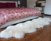 """GIANT SHEEPSKIN  Duble XXL White Throw Genuine leather Sheep Skin 79 """"x 30""""  Decorative rug Natural comfy, cozy, hair is very thick, shiny !"""