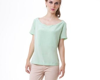 Silk Scalloped Neckline Blouse Shirt Top Pastel Mint Green