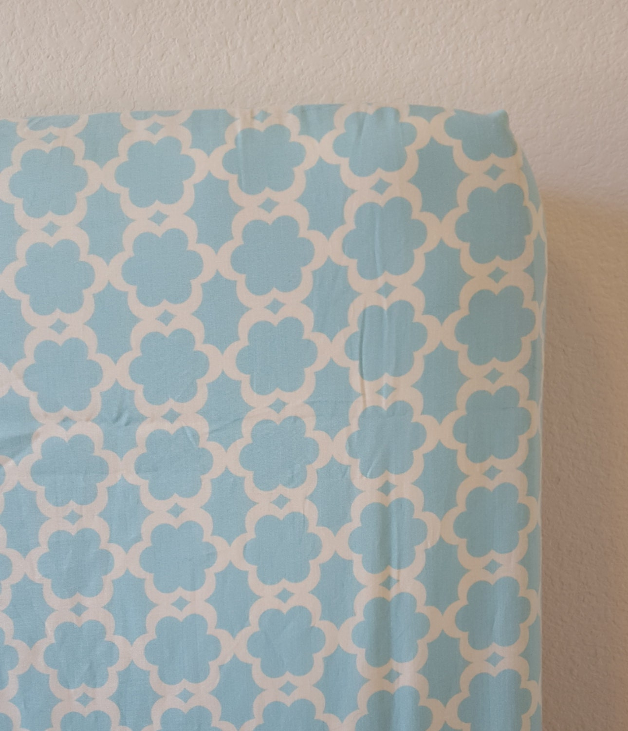 Fitted Crib Sheet Aqua Lattice Design Outlined In White