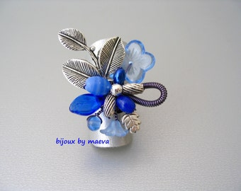 Fashion Jewelry designer ring navy blue and sky blue beads and silver leaves