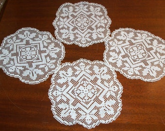 Vintage Set of 4 Rectangular Openwork Doilies from the 1970s