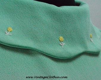 1960s Light Green Mod Mini Dress with Embroidered Flowers, Mod Dress, Mini Dress, 1960s Dress, Mod Dress, 1960, 1960s, 60s Mini Dress, Dress
