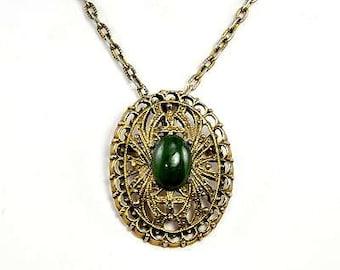 Vintage Peri Green Stone Brooch/Pendant