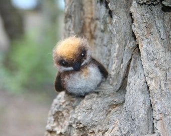 Needle felted bird. Little bird. Miniature.  Needle felted animal. Soft sculpture.  Made to order