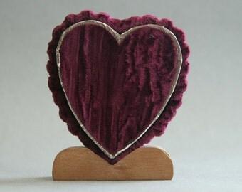 Vintage 1930s 1940s Purple Velvet  Heart Shaped Locket Display Box on Wooden Stand