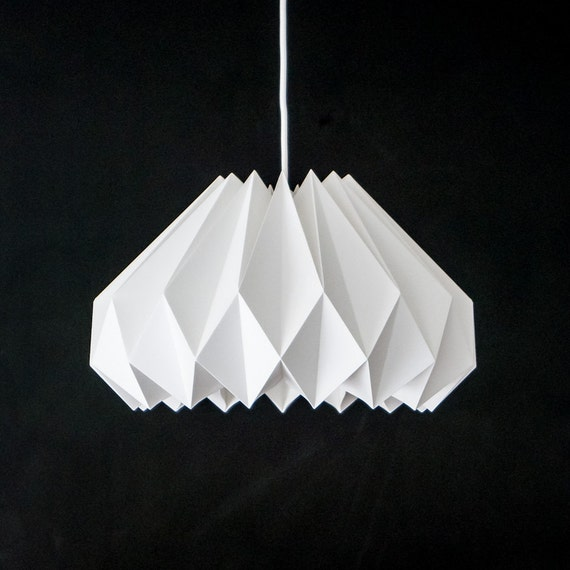 crocus blanc abat jour papier origami par colincobbdesign sur etsy. Black Bedroom Furniture Sets. Home Design Ideas