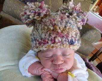Newborn pom-pom hat, crochet baby beanie with pom poms, newborn crochet pom pom hat, crochet beanie, newborn baby hat, infant baby hat