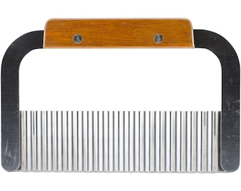 Wavy Soap Cutter w Wood Handle, Stainless Blade
