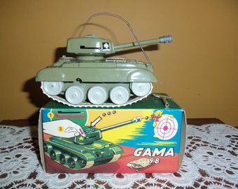 Vintage GAMA 98 WInd Up Tin Toy Tank In Box VG Condition