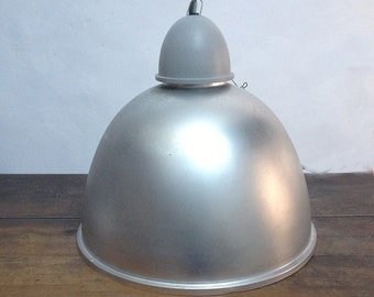 Large Vintage Aluminum Pendant Light - Industrial Hanging Lamp - Loft Decor - 80's.