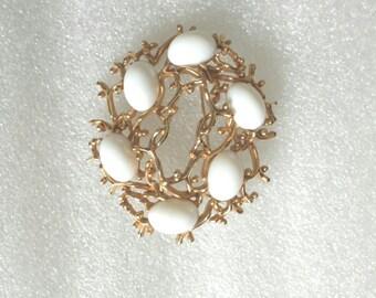 "vintage gold white glass bead brooch 2""diameter"