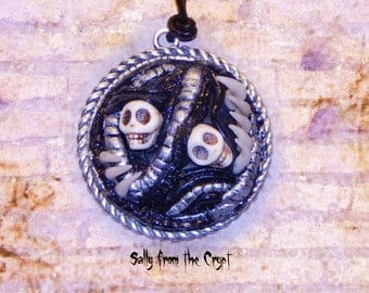 Skull Claw Pendant Alien Horror Halloween Scary Monster Tentakle