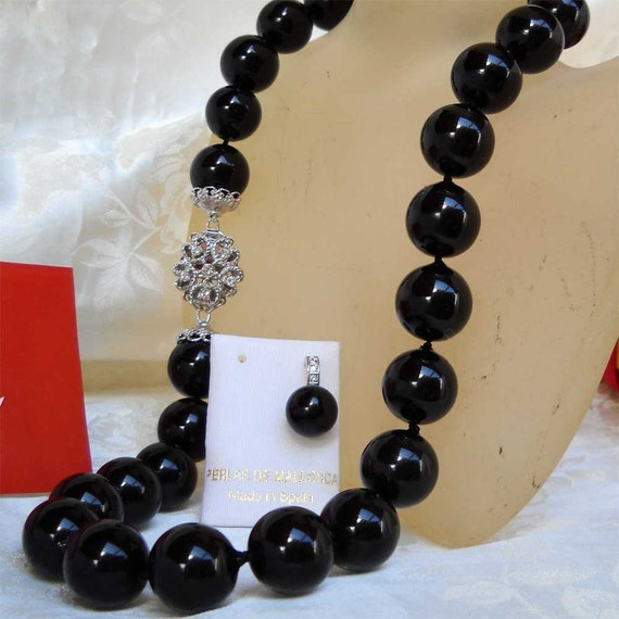 Mallorca Pearl Necklace: Majorca/Mallorca Pearl Necklace Single Strand 19 17mm
