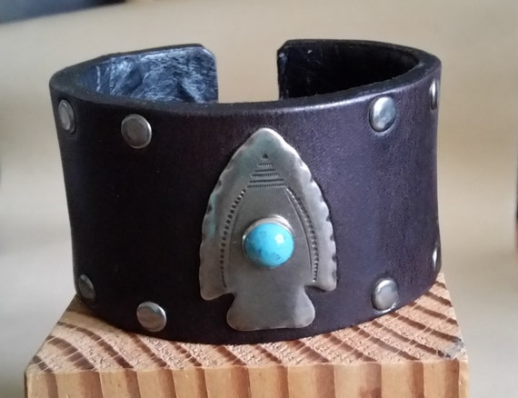 LARGE STUDDED LEATHER Cuff Bracelet Black with Arrowhead Concho, Turquoise, Silver Studs, Inside Lining. Western, Biker Style. Hook Clasp.