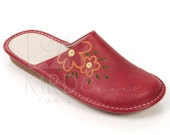 MRDline 4840115 Handmade red & beige leather slippers for women. Leather only on the inner part. Anatomic sole. Soft, warm and comfortable.