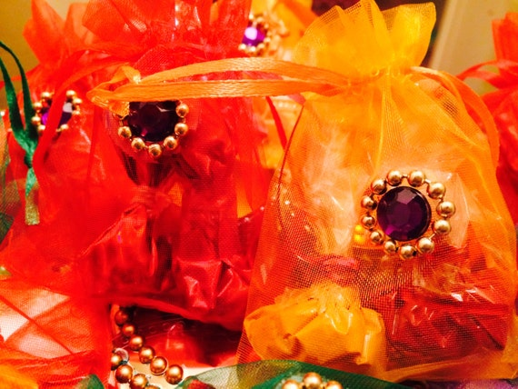 haldi kumkum thambulam return gifts by