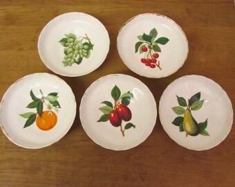 Set of 5 vintage Aynsley bone china fruit-themed dessert/cereal bowls, gilt edging, footed