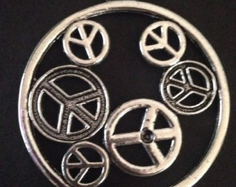 Tibetan Silver Crafts Round Peace Sign Charms Pendants 2 pieces