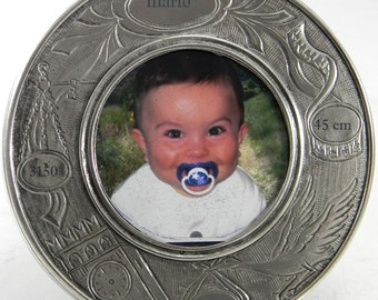 pewter picture frame. Brilliant finish. diam.  16 cm
