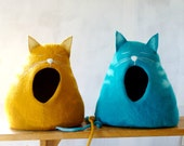 Cat bed/ cat house/cat cave/felted cat bed - Sleepy cat!
