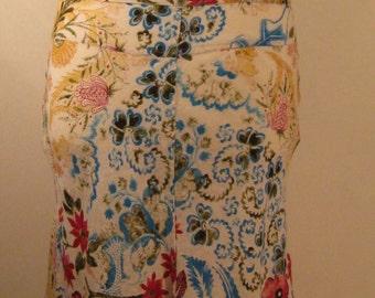 Lovely white vintage linen floral skirt, 1970s, size UK 12, US 10, EU 40.