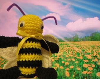Amigurumi crochet stuffed bee