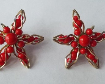 Rare and Unusual 1950s Vintage Gold Tone Twisted Star Shaped Red Plastic Bead Clip-On Earrings