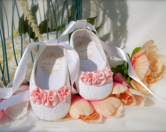 Baby Girl Shoes, White Baby Shoes,Booties,Crib Shoes,Flower girl shoes, Baby Wedding shoes, Baptism shoes, Christening Shoes, Christmas Gift