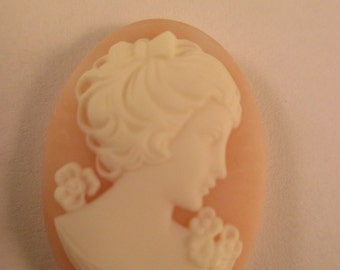 Oval Angel Skin Vintage Celluloid Cameo. Item:BC818522