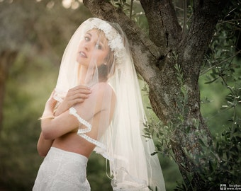 Ivory lace Bridal Veil. Bohemian style. / Bridal Veil / accessory married